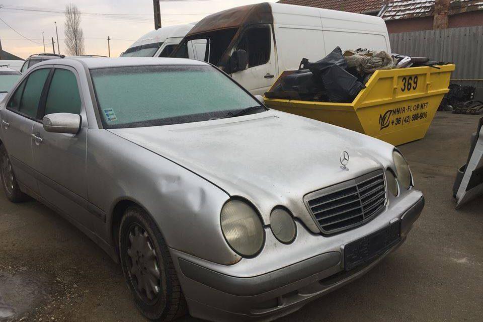 MERCEDES E270CDI W210 BONTOTT ALKATRÉSZEK